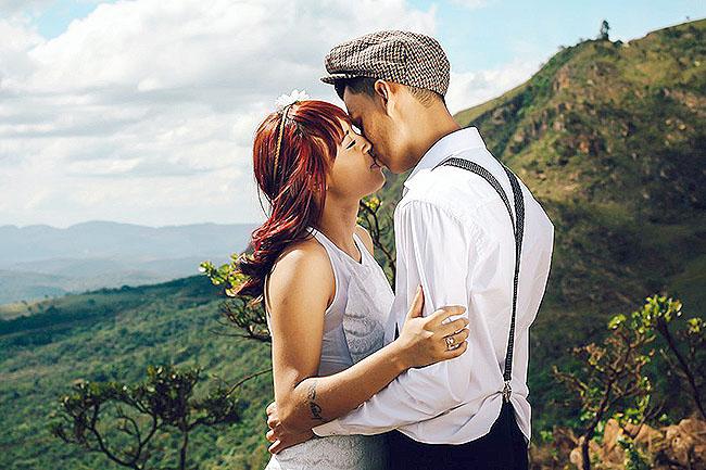 hôn trong khung cảnh lãng mạng