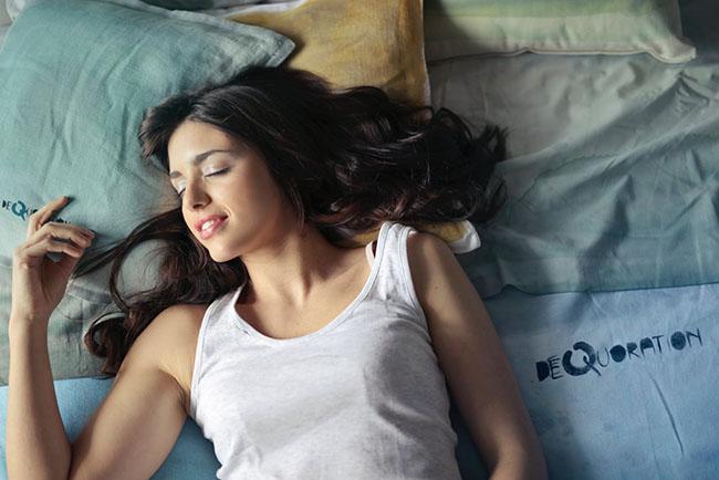 cô gái với giấc ngủ ngon