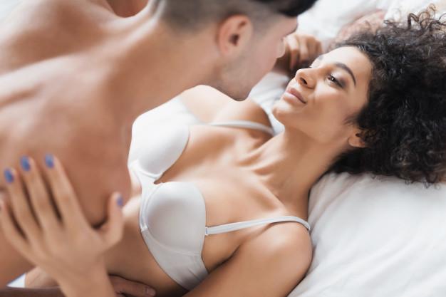 Hãy để chồng bạn nhìn thấy khuôn mặt của bạn khi bạn đạt đến cao trào