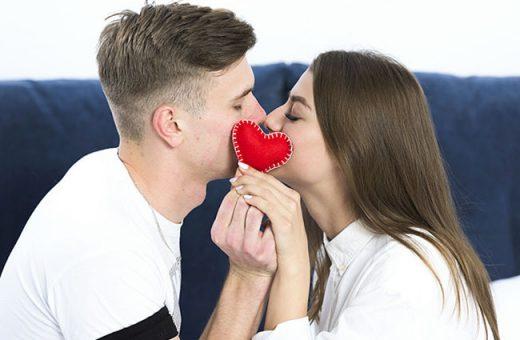 10 Tác dụng kỳ diệu của hôn mà bạn không thể ngờ
