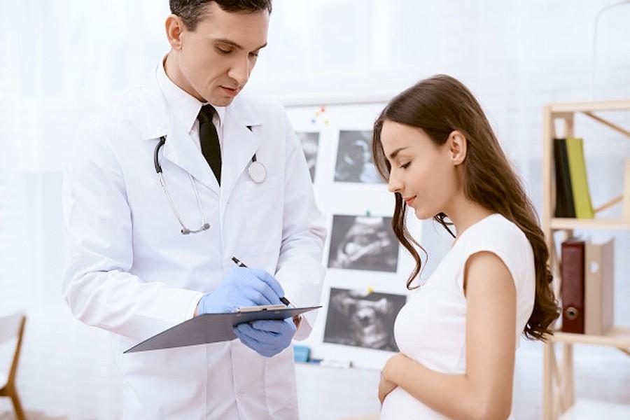 Bạn có thể mang thai nếu đối tác rút dương vật ra khỏi bạn khi anh ấy đạt cao trào