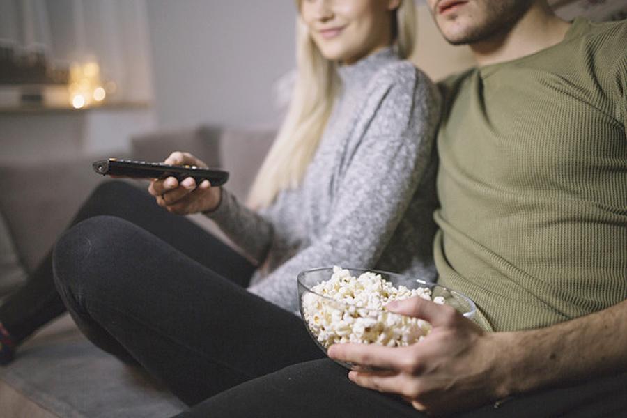 Xem phim có nội dung nhạy cảm cùng nhau.