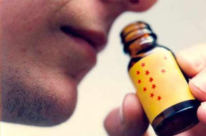 Khi bạn đang dùng thuốc cường dương, tuyệt đối không nên sử dụng popper