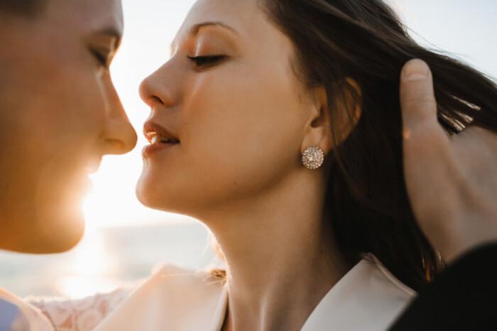 Những dấu hiệu nhận biết phụ nữ dễ dãi, lẳng lơ