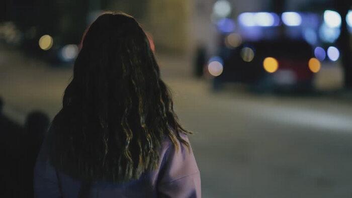 Những cô gái thích đi chơi, tụ tập vào ban đêm thường phóng khoáng, dễ dãi
