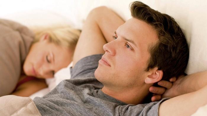 Thường xuyên bị mộng tinh cảnh báo bệnh lý xuất tinh sớm, rối loạn hormone nam hoặc yếu sinh lý